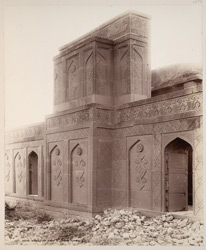 Tatta, Karachi District, Sindh. Isa Khan's Zanana Tomb in front of Isa Khan's Tomb, outside of mihrab